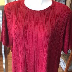 Maroon short sleeve sweater